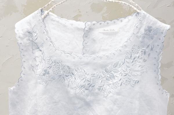 ノースリーブ刺繍ブラウス(製品洗い)<br />□KCF-0528